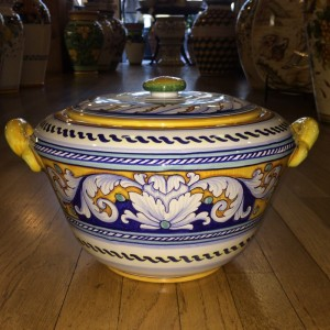Deruta Two Handled Tureen with Lid