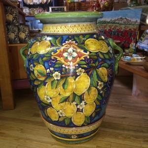 Deruta Urn with Lemon Branches