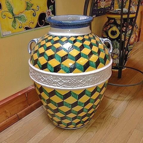 Scale Quadrate Handmade Geometric Urn