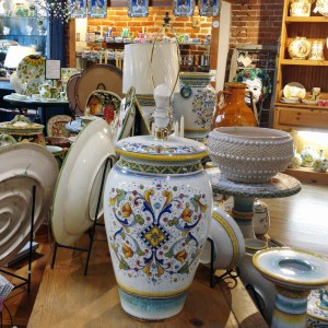 Handmade and hand painted in Deruta, from Italian Pottery Outlet.