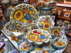 Handmade and hand painted in Tuscany, the San Lorenzo collection is abundant with fruit and flowers.