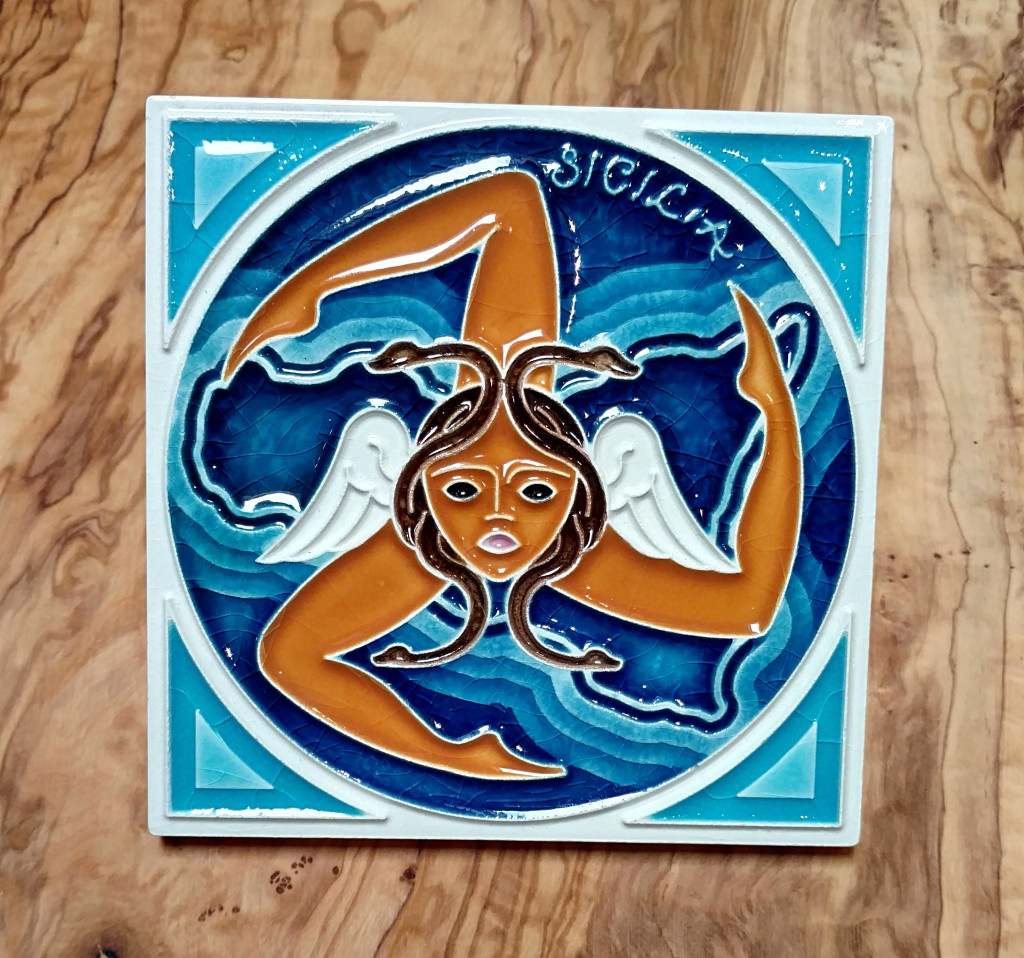 Trinacria The Symbol Of Sicily Italian Pottery Outlet